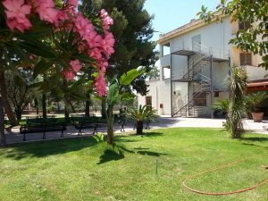 Ristorante hotel, distante 100 metri dal mare, Crotone