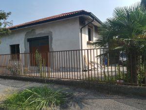 Casa indipendente più attività commerciale, Carate Brianza, Monza e della Brianza